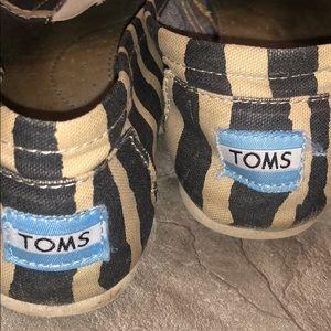 Toms Shoes - ZEBRA TOMS SZ 7.5